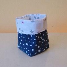 Reserve leti - petite corbeille / panière / panier de rangement réversible en tissus coton bleu et blanc à motifs etoiles 8x8