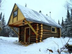 This cozy log cabin was built as a great off the grid get away. It is very sturdy and well built. It is a great example of a log cabin being built from… Diy Log Cabin, Little Log Cabin, How To Build A Log Cabin, Log Cabin Homes, Cozy Cabin, Log Cabins, Cabin Ideas, Log Cabin Floor Plans, Log Home Plans