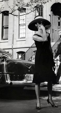Ideas For Vintage Photoshoot Women Audrey Hepburn Divas, Golden Age Of Hollywood, Hollywood Glamour, Vintage Hollywood, Hollywood Stars, 40s Fashion, Timeless Fashion, Vintage Fashion, Audrey Hepburn Mode
