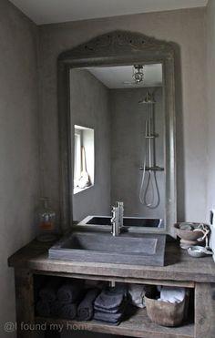 I found my home: De douche. Tadelakt, Bathroom Toilets, Bathroom Styling, Bathroom Inspiration, Master Bathroom, Mirror, Home, Taps, Cupboards