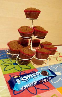 Briose cu Oreo Desserts, Food, Tailgate Desserts, Deserts, Essen, Dessert, Yemek, Food Deserts, Meals