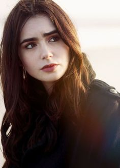 Lily Collins Lily Collins on Pinterest Lily Collins Hair Lilies and