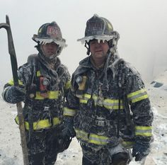 Brave FDNY firefighters battle massive 7 alarm blaze in Brooklyn in brutal ice cold weather.