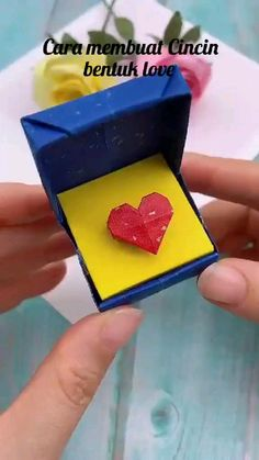 Diy Crafts For Girls, Diy Crafts To Do, Easy Arts And Crafts, Diy Crafts Hacks, Diy Crafts Jewelry, Diys, Cool Paper Crafts, Paper Crafts Origami, Cardboard Crafts