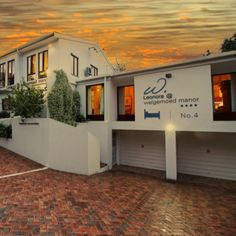 Leonora at Welgemoed Manor offers artistic luxurious and meticulously clean accommodation. With the bespoke garden available which would put anyone at ease with its natural beauty. • 4 Kommissaris Street Welgemoed • 021 913 2205 • 083 4582418 • leonora@welgemoed.co.za #accommodation #accommodation #travel #capetown #luxury #summer #holiday Cape Town Accommodation, Small Fridges, Outdoor Dining, Outdoor Decor, Shopping Malls, Elegant Homes, Shopping Center, Bed And Breakfast, Bespoke