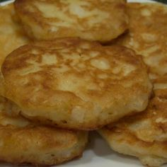 These are delicious Amish onion fritters that I have made many times! This batter would also be great for onion rings! Its so light and crisp! I found this on GroupRecipes and it was posted by a member named The photo is my own. Amish Onion Patties Recipe, Fried Cornbread, Vegetable Dishes, The Best, Food To Make, Food And Drink, Cooking Recipes, Amish Food Recipes, Group Recipes