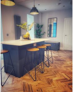 This wooden herringbone flooring was finished using Osmo Polyx-Oil Original Clear Matt 3062.  The product provides a beautiful matt finish, for an almost completely natural look, where light reflections are diffused throughout the room.  Project by @inside_the_white_house_