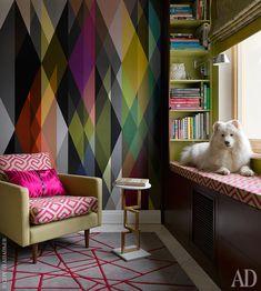 Как оформить пространство вокруг окна на кухне, в гостиной, детской, спальне: идеи на фото | AD Magazine