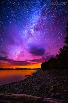 The most beautiful landscapes in the United States pictures): Milky Way over Spencer Bay Moosehead Lake Maine Beautiful Sky, Beautiful Landscapes, Beautiful World, Beautiful Places, Wonderful Places, All Nature, Science And Nature, Amazing Nature, Nature Source