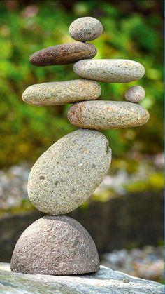 Eight-Stone Balancing Cairn - Indoor/Outdoor Garden Decoration Zen Rock, Rock Art, Stone Crafts, Rock Crafts, Land Art, Stone Decoration, Stone Balancing, Stone Cairns, Rock Sculpture