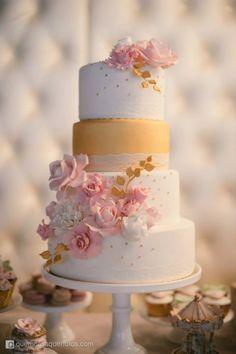 Unique and Elegant Wedding Cake Ideas - Via Cupcake