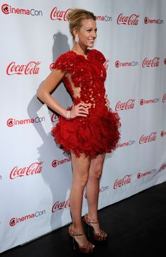 Blake Lively Photos - CinemaCon 2011 Awards Ceremony - Arrivals - Zimbio