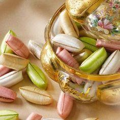 Les forestines de Bourges sont de délicieux bonbons fourrés d'un intérieur moelleux, mélange de chocolat, de noisettes et d'amandes enrobés d'une coque de sucre satiné et croustillant