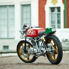 The custom world is dominated by studiously monochrome bikes, so this bright and breezy little Ducati Vento café racer is a welcome splash of color.