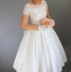 Vintage 1950s 50s Wedding Dress, tea length bow detail | eBay
