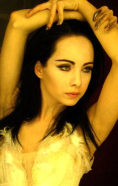 Lost Girl star Ksenia Solo will take on the role of Dodge, the villain in the Locke & Key TV series. Ksenia Solo, Anna Silk, Life Unexpected, Beautiful People, Beautiful Women, Amazing People, Fan Image, Solo Pics, Canadian Actresses