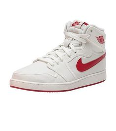 The Air Jordan 1 High has a classic design in a rich colorway that is sure to become a staple in your collection. The combination full-grain leather and nubuck upper is gym red with black details spec Pump Shoes, Men's Shoes, Nike Shoes, Shoe Boots, Sneakers Nike, Men's High Top Sneakers, Mens High Tops, Dream Shoes, Sock Shoes