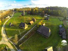 """Parcul Etnografic """"Romulus Vuia"""" din Cluj-Napoca, un sat traditinal in interiorul orasului."""
