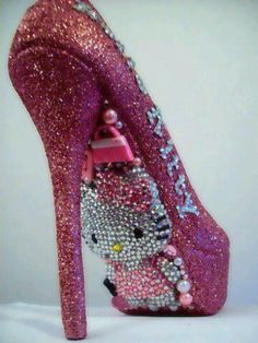 Hello Kitty pumps