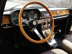 1974 Alfa Romeo Giulia - Super Nova Maintenance/restoration of old/vintage vehicles: the material for new cogs/casters/gears/pads could be cast polyamide which I (Cast polyamide) can produce. My contact: tatjana.alic@windowslive.com