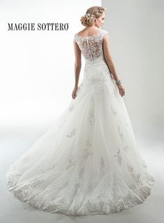 Large View of the Briony Bridal Gown  Waaaauuww!!