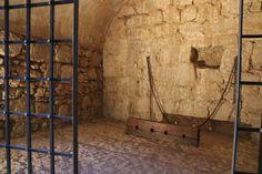 visita al Castillo de Santa Catalina en Jaén Medieval, Cata, Painting, Home Decor, Castle Ruins, Fortaleza, Monuments, Castles, Tourism