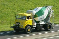 1966 Daf A1900 old-timer cement truck van Mebin