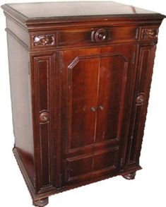 The Victor Victrola Page. 1926 VE8 30X. Electric Credenza Style Orthophonic  Victrola