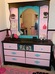 DIY Dresser Makeover Armed with Lipgloss and Power Tools: From Trashy to Classy:. DIY Dresser Make Diy Dresser Makeover, Furniture Makeover, Diy Furniture, Dresser Makeovers, Upcycled Furniture, Dresser Ideas, Kids Dressers, Bedroom Dressers, Diy Bedroom Decor