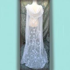 1930s Vintage lace embroidered long wedding veil vintage bride