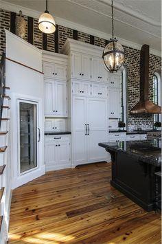 / love everything about this kitchen / #brick #kitchen