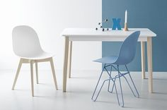 The Academy 4 Leg Solid Wood Base Chair by Connubia is on-trend and modern, yet boasts a little something extra that sets it apart. The seat is made of Restilon® shell, a polymer composite with mineral fillers, and comes in an array of colors. Table And Chairs, Side Chairs, Wood And Metal, Solid Wood, Graphite, Chair Design, Furniture Design, E Piano, Contemporary Dining Chairs