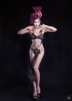 Model : Lyn Oxy. Hairdressing : Christophe Pujol. Fashion design : Sophie Polune B. Photo : Nath-Sakura.