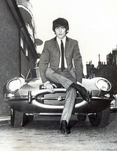 today in George Harrison crashes his E-Type Jaguar on New Kings Road in London while en route to a Beatles concert in Brighton, suffering minor injuries. Ringo Starr, George Harrison, Patti Harrison, The Beatles, Beatles Photos, Beatles Party, John Lennon, Paul Mccartney, Converse