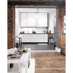 Photo credit: #murraymitchell #loft #exposedbrick #rustic #timberfloor #interiordesign #interiorstyling #kitchen #loftdesign #warehouseconversion #interiorinspo #customhomes by customhomes
