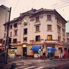 O primeiro prédio da rua General Jardim, construído na década de 20.