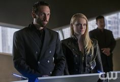 """The Tomorrow People -- """"Son Of Man"""" --  Image Number: TP122b_5049.jpg -- Pictured (L-R): Simon Merrells as The Founder and Leven Rambin as Natalie --  Photo: Jack Rowand/The CW -- © 2014 The CW Network, LLC. All rights reserved."""