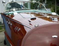 Riva Ariston with hull no. 131. 1957 with a Chris Chraft 283 V8 engine that delivers 185 HP.