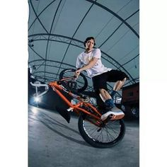BMX FREESTYLER http://streets-united.com/blog/asian-bmx-freestyler/