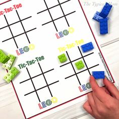 Tic Tac Toe LEGO free printable. Great for a Lego party game or a rainy day.