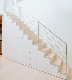 Alu Geländer helle Holz Treppe