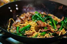 Beef and Broccoli with Ramen Noodles recipe http://www.gourmetkoshercooking.com/2014/01/beef-and-broccoli-with-ramen-noodles/