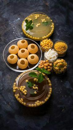 Bengali Food, Bangladeshi Food, Amazing Food Photography, Chaat Recipe, Indian Street Food, Desi Food, India Food, Food Decoration, Food Cravings
