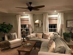 66 best farmhouse living room remodel ideas (34)