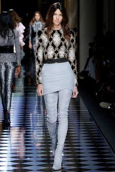 Balmain Fall 2016 Ready-to-Wear Fashion Show - Model: Devon Windsor Haute Couture Paris, Couture Fashion, Runway Fashion, Hair Couture, Daily Fashion, High Fashion, Fashion Show, Fashion Design, Street Fashion
