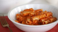 Creamy Baked Ziti- Everyday Food with Sarah Carey Dinner Pasta – Dinner Recipes Sarah Carey, How To Peel Tomatoes, Parmesan Pasta, Baked Ziti, Pasta Bake, Everyday Food, How To Cook Pasta, Pasta Dishes, Food Videos