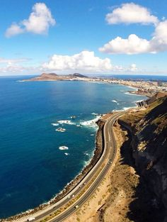 Gran Canaria The road to Las Palmas. Tenerife, Puerto Rico Gran Canaria, Grand Canaria, Nature Photography, Travel Photography, Paradise On Earth, Spain And Portugal, Canary Islands, Holiday Destinations