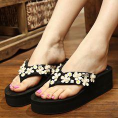 New Summer Fashion Flip Wedges Rhinestone Beach Slippers Female S Platform Flip Flops(Please select one size larger)