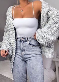 Cute Comfy Outfits, Cute Casual Outfits, Stylish Outfits, Casual Shirts, Casual Jeans, Casual Sneakers, Casual Dresses, Sneakers Women, Bride Dresses