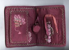 Deep pink hussif (inside) by Patchwiz / Julia of Diy And Crafts Sewing, Sewing Projects, Sewing Kits, Needle Book, Needle And Thread, Sewing Pockets, Make Do And Mend, Sewing Accessories, Knitting Needles
